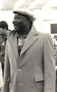 220px-Muddy_Waters_(blues_musician)-cropped